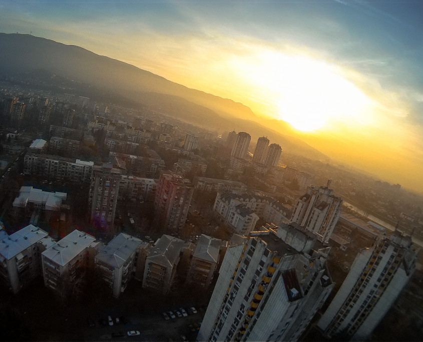 Enjoying the sunset over Skopje, the moment when my D2R II receiver started acting.