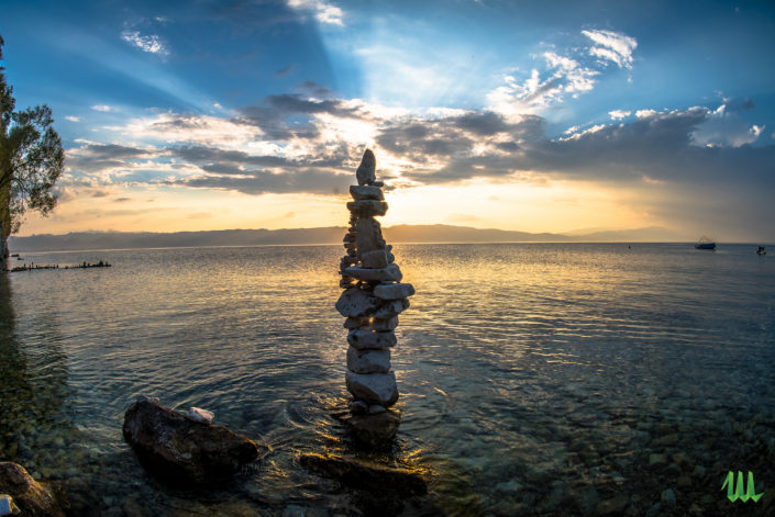 Nop - stone balancing