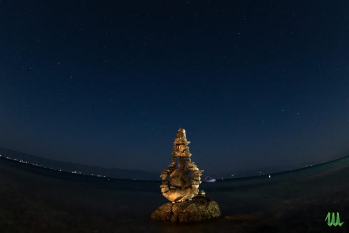 Nightshot - stone balancing